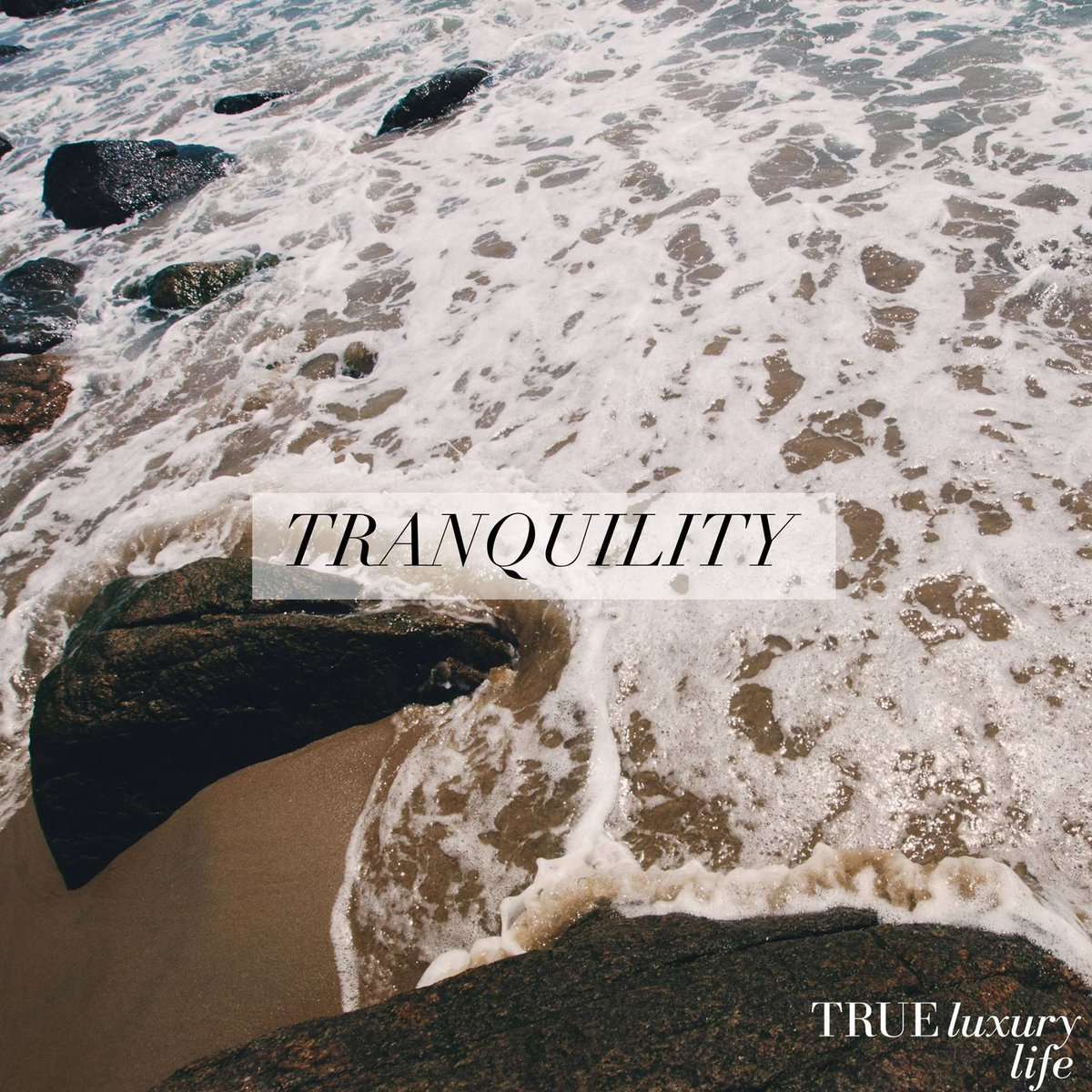Tranquility can be found in mindfulness 🌗  #trueluxurylife #luxury #organic #wellness #health #lifestyle #healthylifestyle #selfcare #selflove #nature #luxlife #luxurylife #peace #meditation #yoga #inspiration #inspo #inspoquote #luxurylifestyle #mindfulness #healthyrecipes