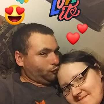 Our love is amazing. Our love is our love. I love you with all my heart my love💙😘😍. Couldn't ask for a better man than I got. The love we have I don't want with anyone else💕💓 #foreheadkisses #truelove #myoneandonly #Happiness #myforever #fiance