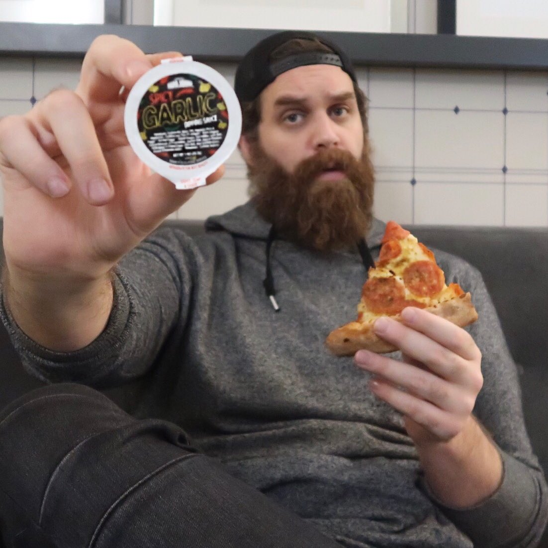 How does Spicy Garlic sound to you? I've been dipping all day baby! @papajohns #NationalGarlicDay, #SpicyGarlicSauce #sponsored