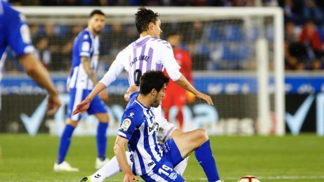 ⏱¡REPARTO DE PUNTOS en Mendizorroza!  ⚽️Han marcado Guidetti y Jony para los babazorros y J. Fernández y Unal para los pucelanos.  Alavés 2-2 Valladolid #LaLiga