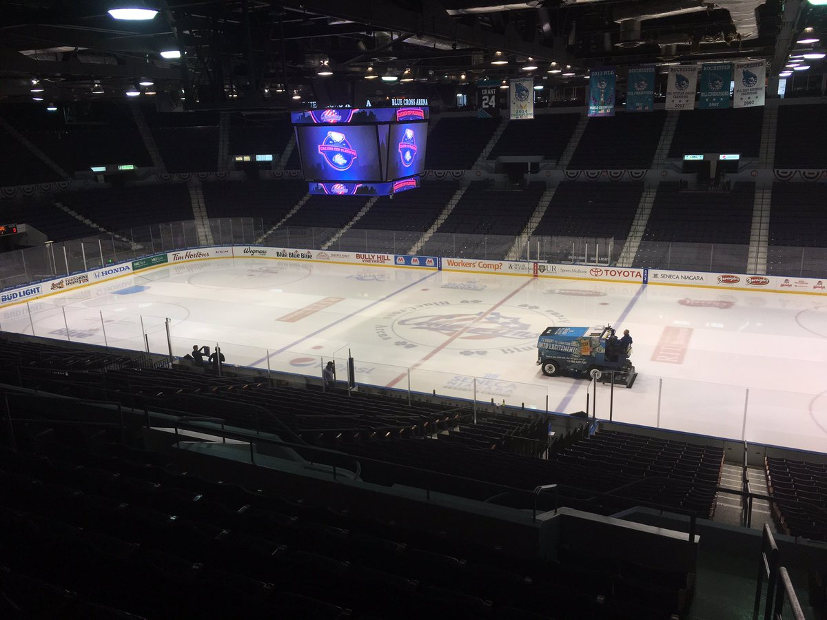 T-2 hours to puck drop for the #Amerks hosting the #Marlies in round one of the #CalderCup playoffs. My pregame reports start now on @SPECNewsROC. #Sabres