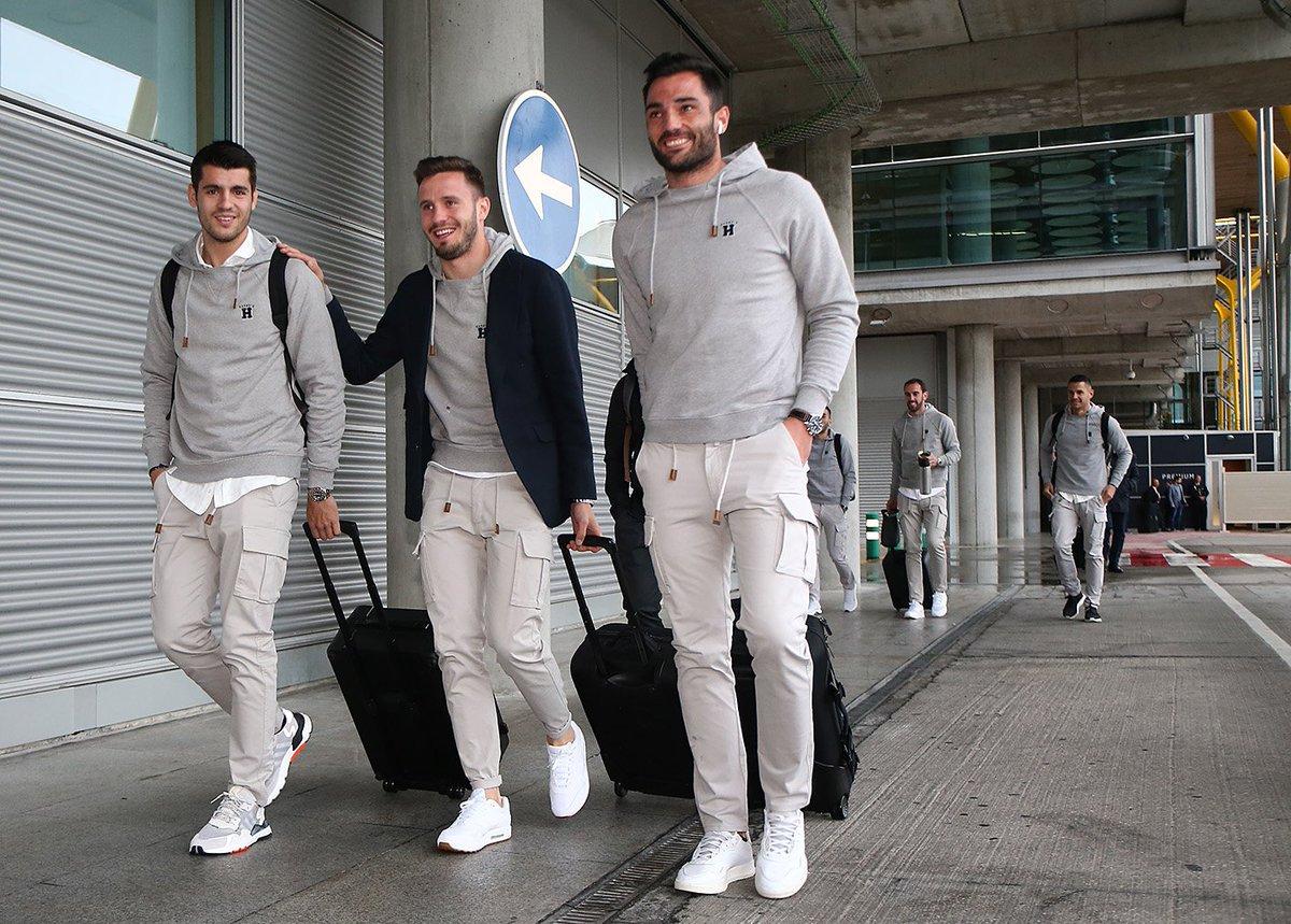Morata, Saúl y Adán, en el aeropuerto camino de Eibar (Foto: ATM).
