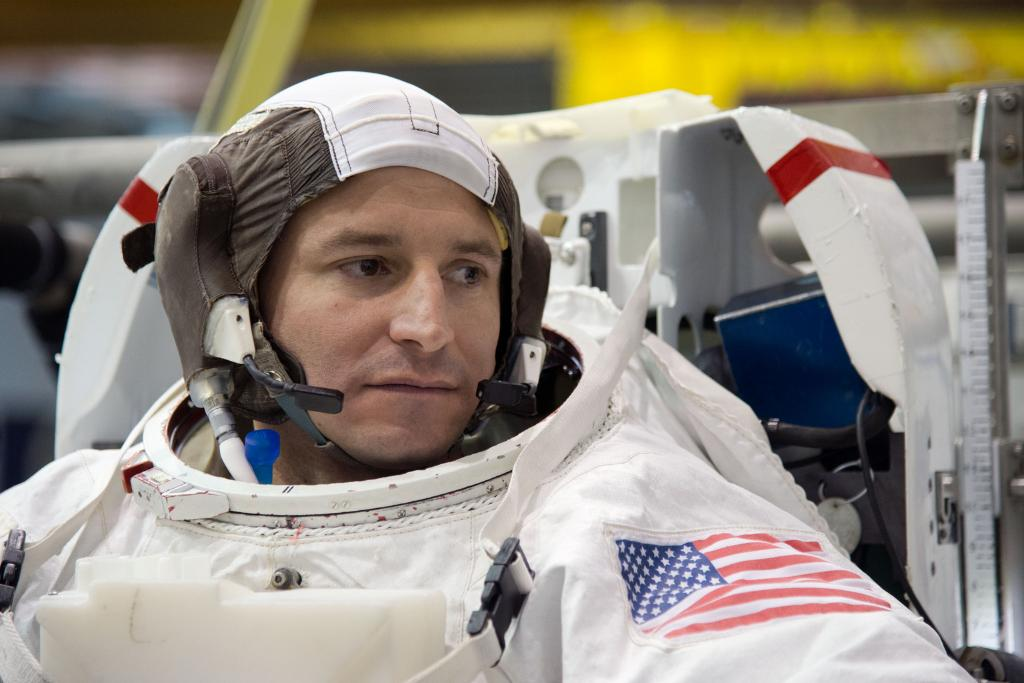 .@AstroDrewMorgan is scheduled for his first flight to the @Space_Station on July 20, our #Apollo50th anniversary! Hear how he & his crewmates @astro_luca & Alexander Skvortsov are feeling about the upcoming mission today 2pm ET. Watch: https://go.nasa.gov/2ULgIsf