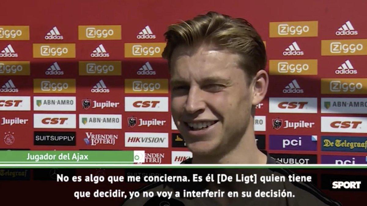 """Frenkie de Jong: """"De Ligt has to decide for himself what he is going to do."""" [via sport]"""