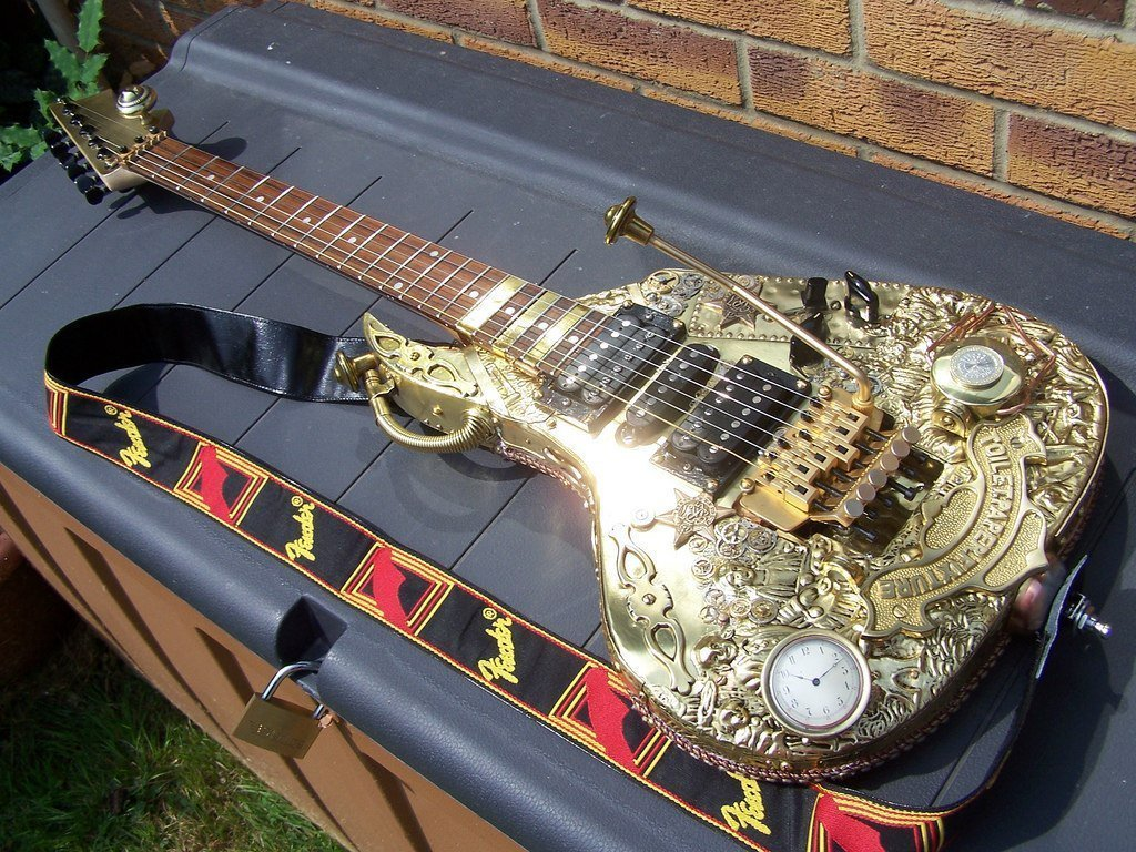 #Steampunk ⚙️ Awesome of the Day ⭐ ➡️ Custom #Guitar 🎸 With Detailed Brass Body Made By Tom Bingham Corby via @SteampunkAges #SamaGuitars #SamaMusic 🎶 ➡️ View More #SamaCollection 👉 https://t.co/Kugls3IJqU