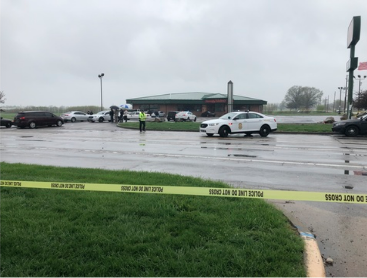 NEWS: @IMPDnews says the man shot by an officer earlier today is a suspect in last month's shooting at a Liquorland store on the west side. https://buff.ly/2KQKR4W