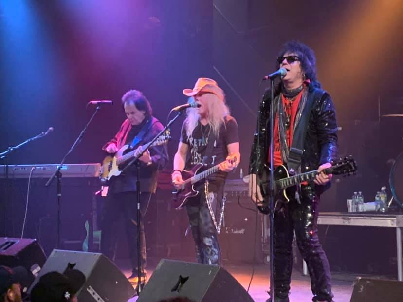 """Check out a rare live performance of 'Animal"""" from the OG @frehleyscomet by #ReturnOfTheComet, w/ @scarlet_richie, @BudgieDrummer & x- @FourByFate #TodHowarth & #JohnRegan https://www.facebook.com/returnofthecomet/videos/vb.1151513068350882/2125789127541255/?type=2&theater… @CometReturn @EddieTrunk @mitchlafon #ROTC @ace_frehley #TheEmperorOfRockNRoll"""