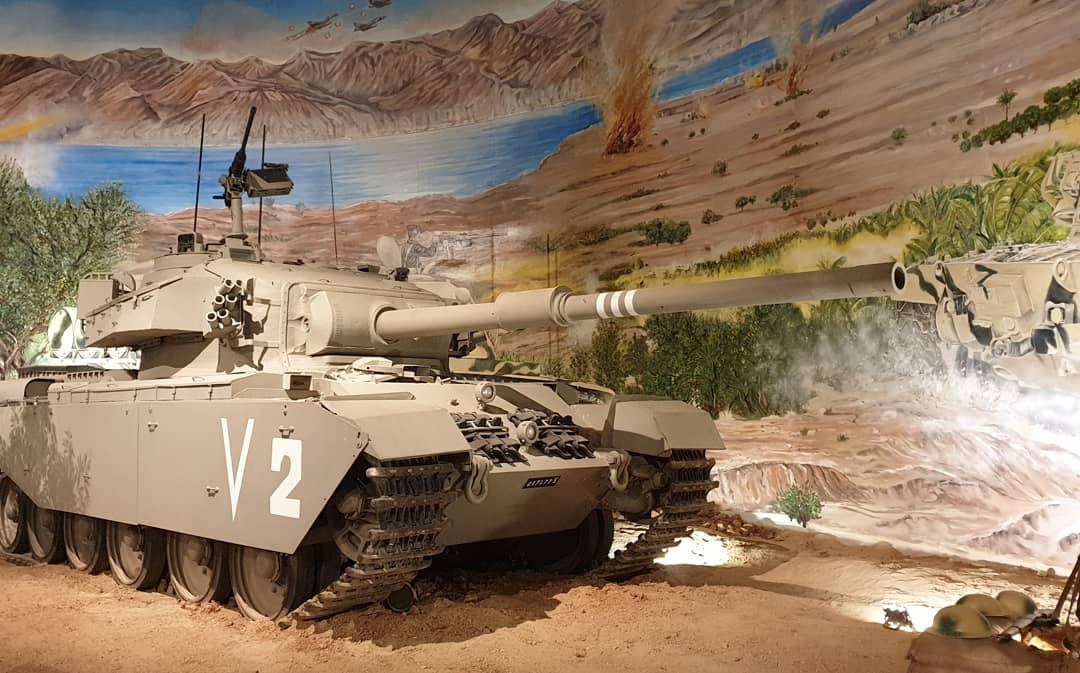 ملك الاردن يفتتح متحف الدبابات الملكي في عمان - صفحة 2 D4iRtMHWkAAk15y