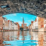 Image for the Tweet beginning: Peeking out into #Bruges ❤️ When