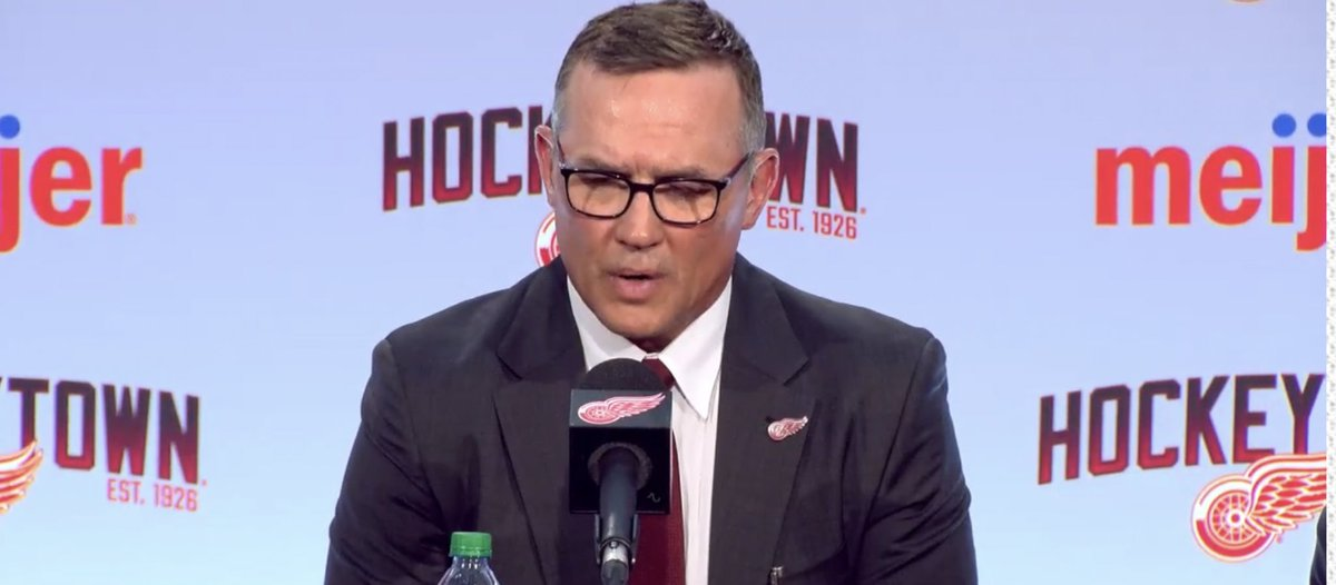 """#RedWings got permission from #GoBolts to talk to Steve Yzerman in March.  He thanked Vinik for his time w/ the Lightning.He called Tampa: """"A fantastic hockey town.""""   More:   He's disappointed he couldn't win a Cup in TB. """"They're close, and I hope they do get that Stanley Cup."""""""
