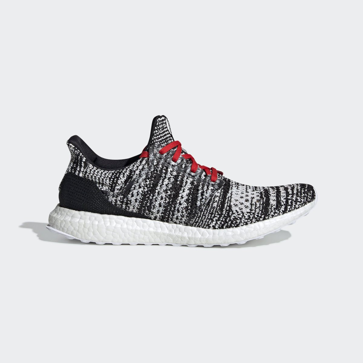 d4ef2e66c2c0c ... knit patterns to the Ultra Boost Clima
