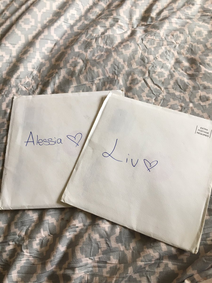 i'm packing up my dorm and i found cards i wrote for alessia and liv that i didn't get to give them at mmvas :( <br>http://pic.twitter.com/LWecqQchFg