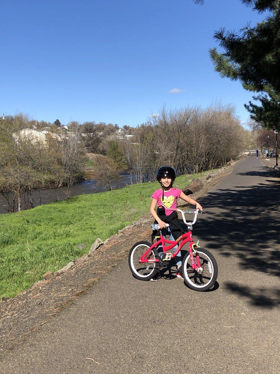 Mentoring fun-- enjoying this amazing spring weather!  #mentor #mentoring #mentorIRL #spring #sunshine