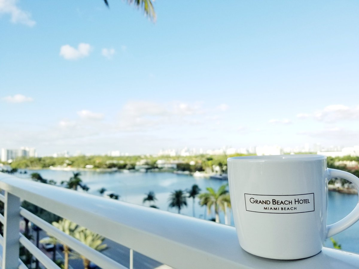 #goodmorning #miami  #grandbeachmiami #gbhmoments #miamibeach #downtownmiami #views #coffee #friday – at Grand Beach Hotel