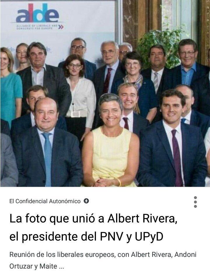Aquí está @Albert_Rivera junto @andoniortuzar y detrás otra que debiera dejar el grupo parlamentario europeo: @maitepagaza Si se está contra el #Cuponazo no se comparte grupo con el PNV