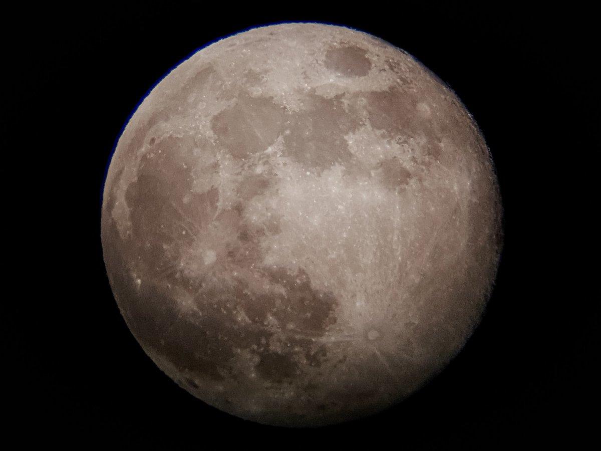 Luna Llena 2019-04-19  #Luna #LunaLlena #Moon #FullMoon #Ilargi #Ilargia #Ilbetea  #Telescopio #Celestron #Powerseeker #70AZ #Samsung #Galaxy #GalaxyS10 #GalaxyS10Plus #MadeWithGalaxy  #MobilePhotography #Android #Lightroom #LightroomCC    https://www.instagram.com/p/BwdA7erFO-G/?utm_source=ig_share_sheet&igshid=1kmfdgdbxp5aw…