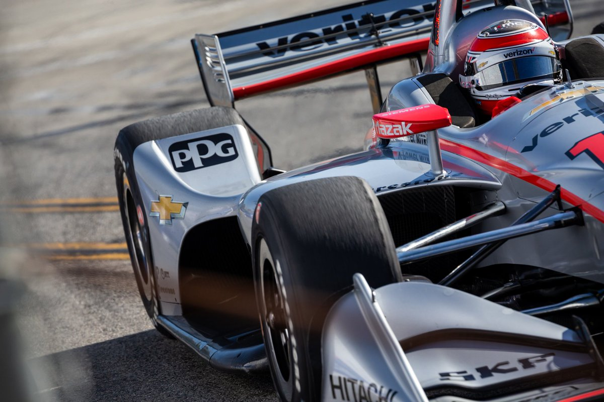 Up close and personal. // #INDYCAR / 📷 @stephenVking