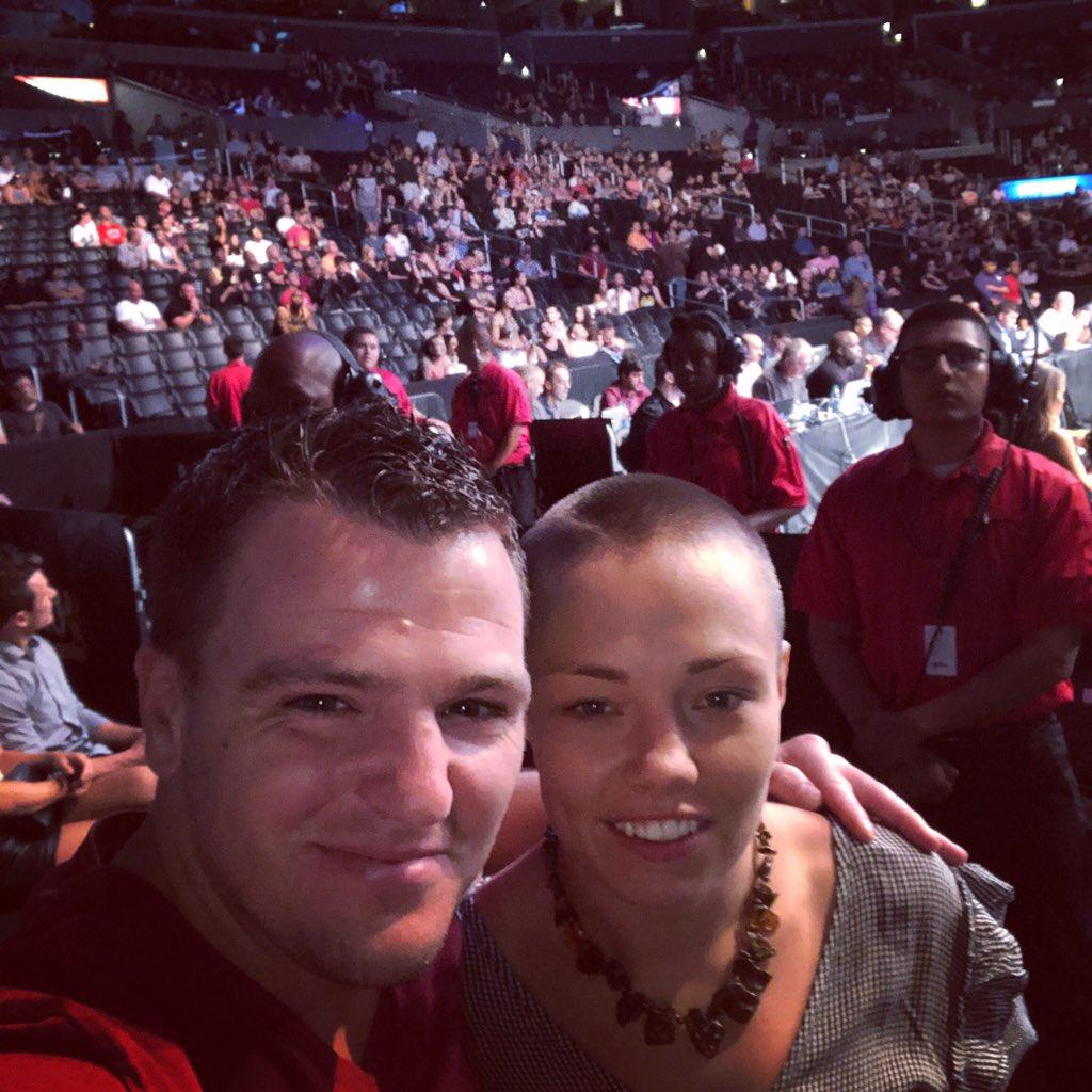Flashback UFC227 #truechamp 👍👍 My first UFC event but hopefully not my last 👍💪@rosenamajunas