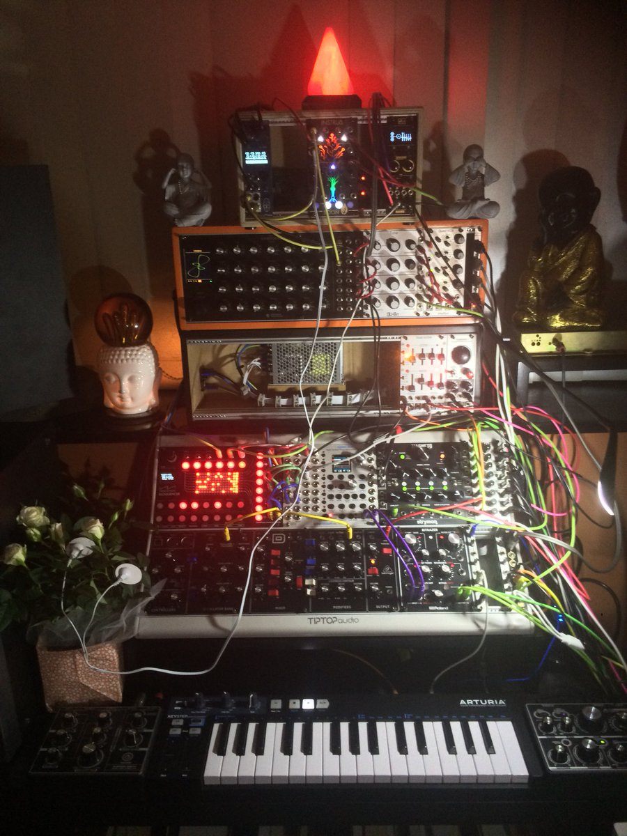 Some sort of frankensteined tangerine dream machine in the works, all future music will be made by the plant using a biometric feedback system as we don't actually exist whatsoever but then again neither do you. <br>http://pic.twitter.com/PO4YoMZNF0