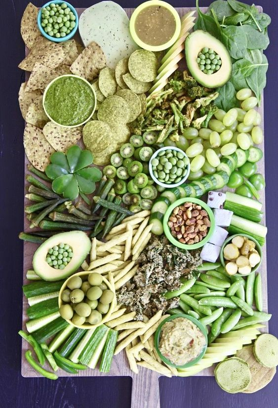 St. Patrick's Day Platter will make your guests go green with envy! Made with Green Fruits, veggies dn nuts. Serve with Green dips and spreads Best St. Patrick's Day Platter #weelicious #snacks #healthy #kidfriendly #sides #stpatricksday https://weelicious.com/2019/03/12/st-patricks-day-snack-board/ …