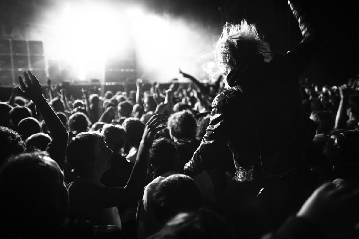 Radio marketing: https://mon.uvic.cat/fec/tesisdoctorals-radiolocal-rockcatala-marketing-sergisola-irenecolom/… #Catalonia #Analytics #BigData #Music #Pop #Rock #Jazz #Rock #RnB #SoulMusic #HouseMusic #HipHop #EDM #DanceMusic #Techno #Sampling #Vinyl #Marketing #Business