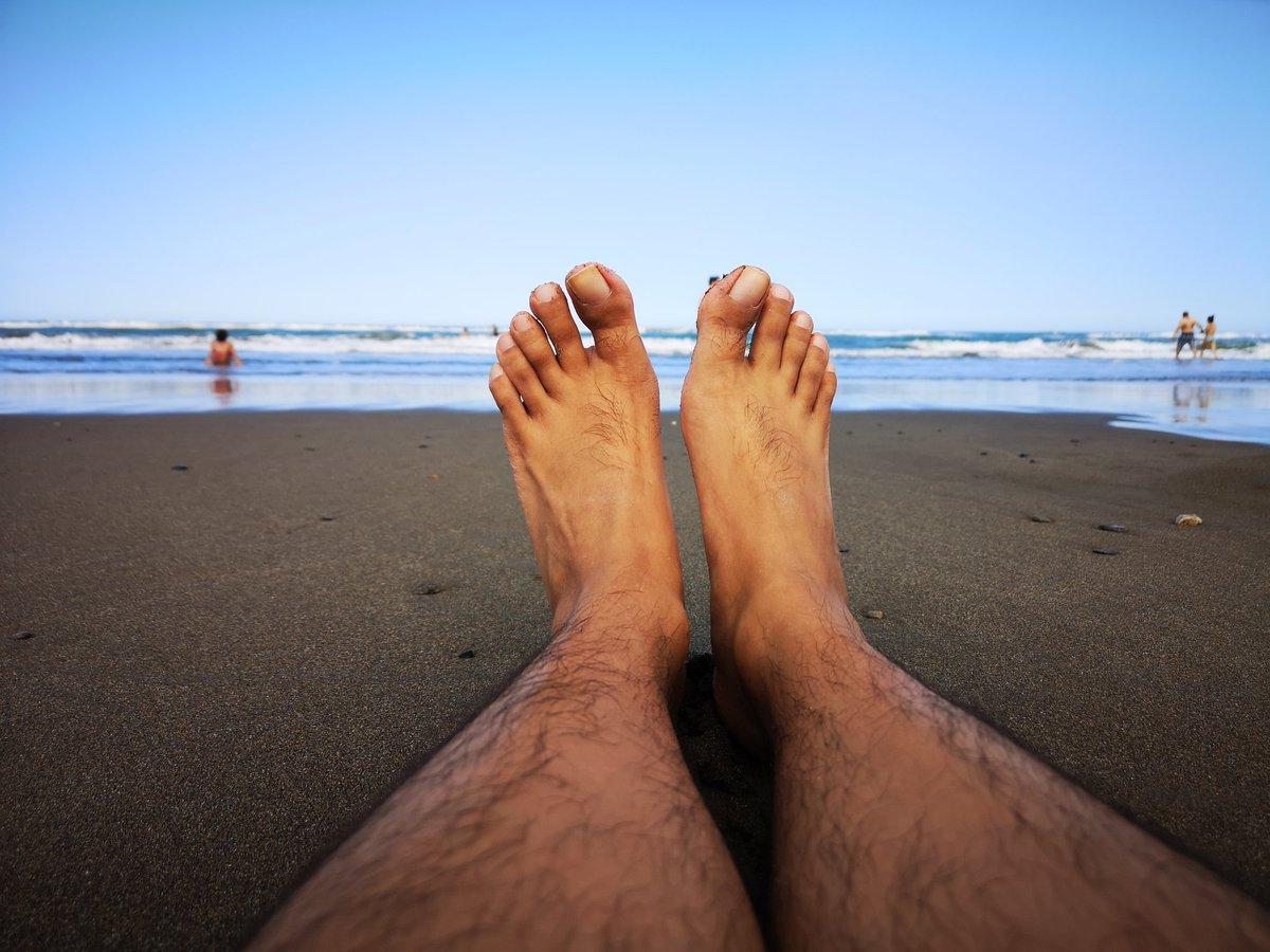 Consintiendo a mis pies tocando la arena 🌴 #foot #feet #pies #fetiche #fuck #sex #toes #footjob #footfetish #feetporn #beach #beachlife #beachbody #beacherection #beachporn