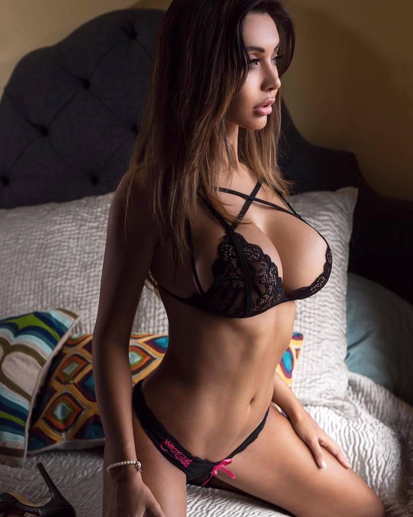 Amira sexy 60 Sexy
