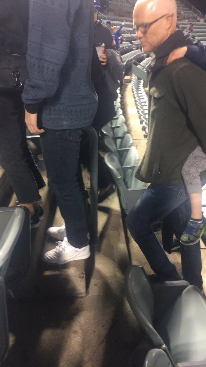 @notthefakeSVP @StanfordSteve82  SVP leaving the Dodger game on USC Night! #thefakesvp https://t.co/5Ly6BMhtjO