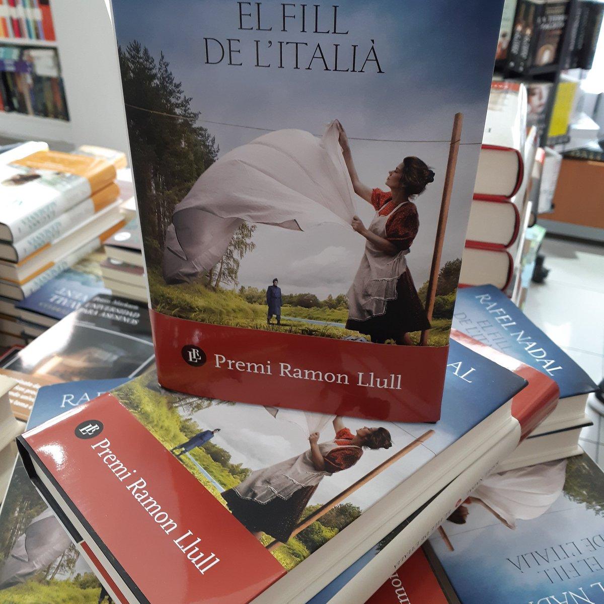 Avui de 7 a 8 vendrà a signar en @nadalrafel @columnaedicions #llibres #Girona  #llibreries