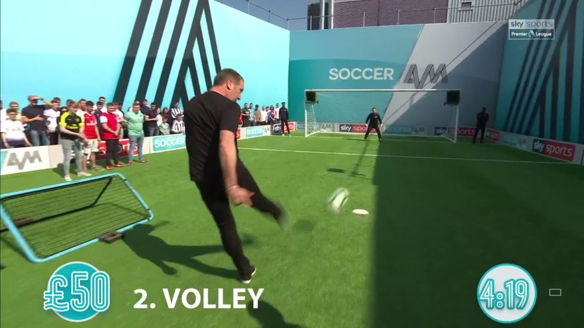 David Seaman's got a reliable volley on him 👍