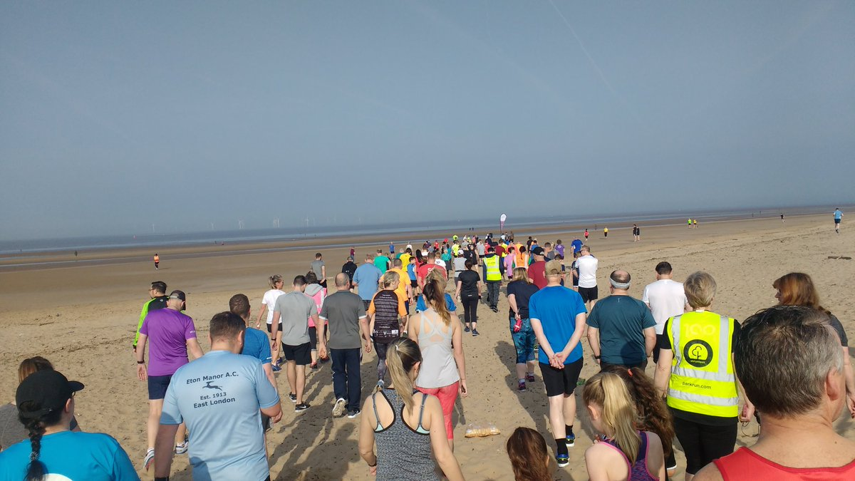 What a gorgeous morning to head to the beach! Over 230 runners this morning. #crosbyparkrun #crosby #crosbybeach #parkrun #parkrunuk #loveparkrun