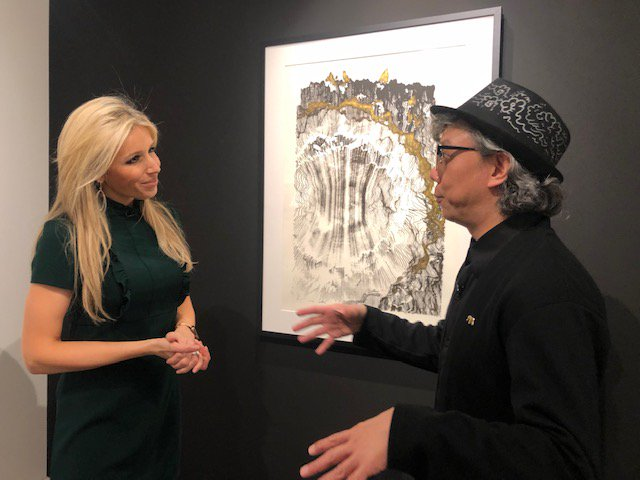 A robot joined forces with AI to create art of the moon, and @LaraLewington met its inventor for this week's show.