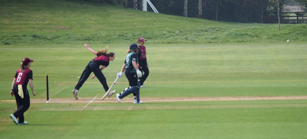 test Twitter Media - RT @SCBwomengirls: REPORT || Winning start for Somerset Women   https://t.co/UyzcAwJ3Iz  #WeAreSomerset https://t.co/X95u8K8Pq3