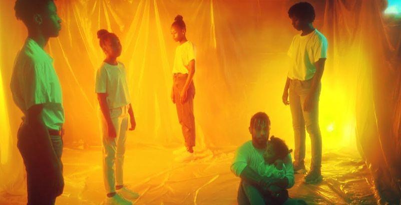 .@Disizfr sort le clip de l'inédit 'Enfants irradiés' et c'est sublime 👏 mouv.fr/rap-fr/disiz-s…