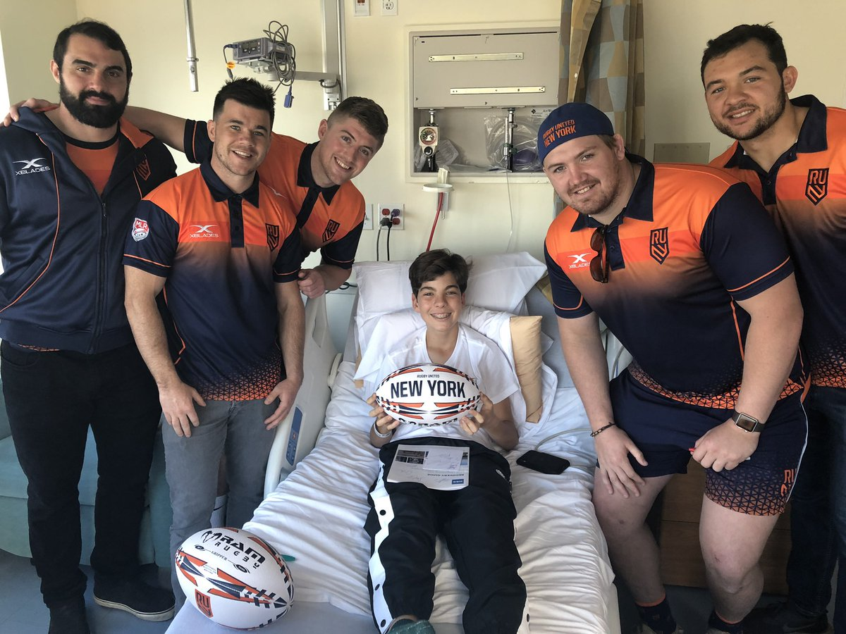 This week, our pediatric patients at the HSS Lerner Children's Pavilion scored a special visit from members of @rugbyunitedny! We can't thank them enough for providing such joy to our patients and their families! #HSSKids #UniteTheEmpire  @marcuswalsh9 @cmattinaa  @pjryan11