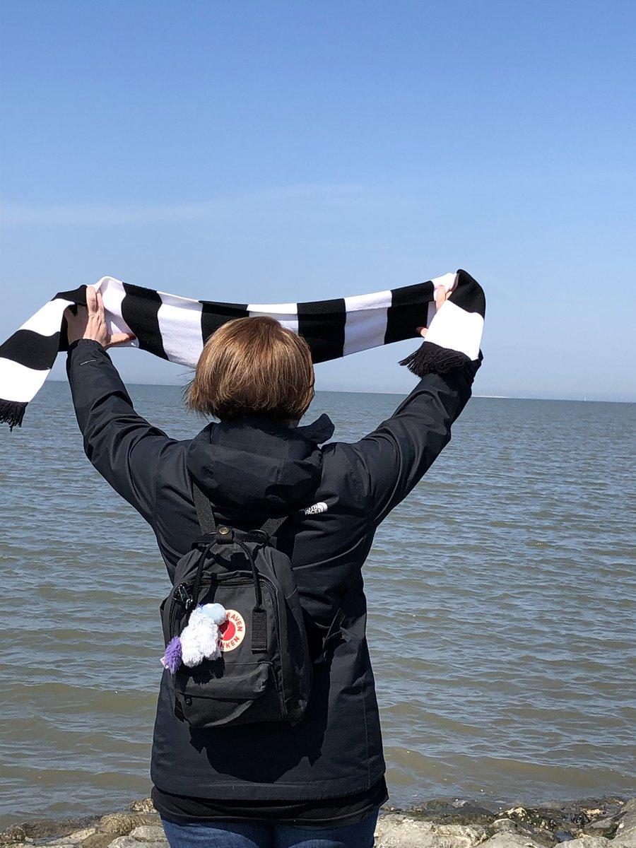 Grüße von der Nordsee 🖤♥️🦅🇪🇺#halfwaytoLondon #SGEuropa – at Nordseebad Carolinensiel- Harlesiel der Stadt Wittmund