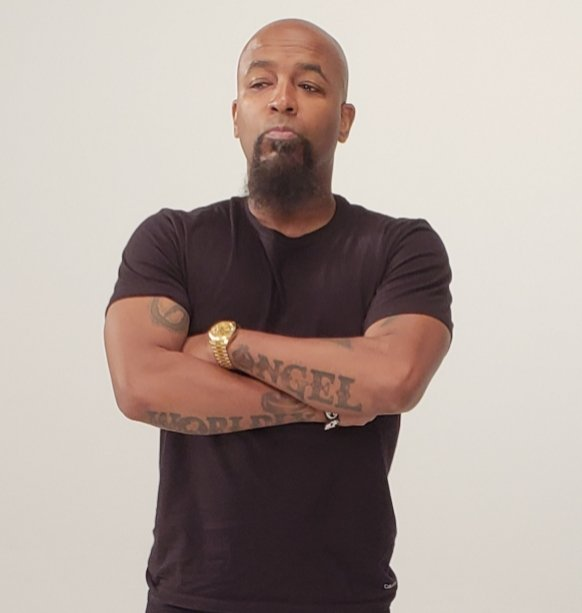 So y'all really just gon disrespect a #LivingLegend and keep ignoring this man's talent by not acknowledging the #Fact he should be a household name #LikeHeAint? #StrangeMusic #ItGoesUp ^$^