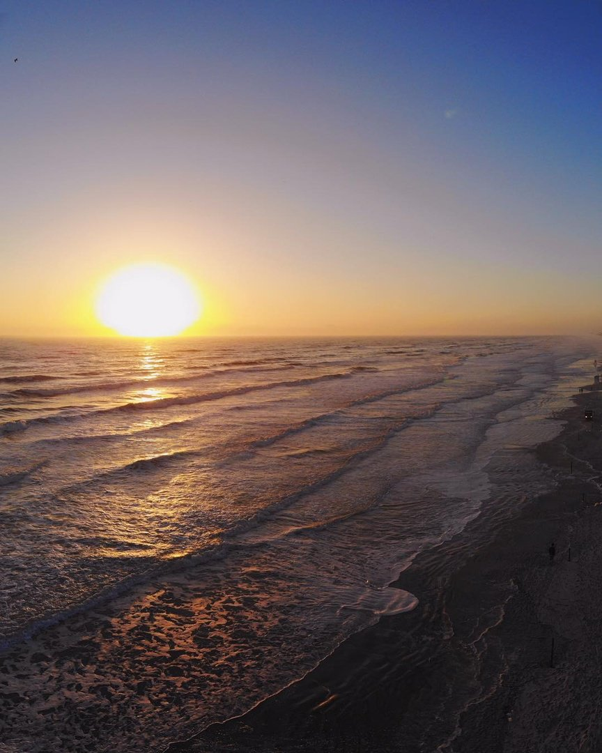 The perfect morning activity? Watching the sunrise, of course!  Share your favorite sunrise spot below. #LoveFL Picture credit: @jermjohnston #florida #floridabeach #sunset #sunsets #sunsetting #thegulf #thegulfofmexico #gulfing #hostymosty #travelgram #beachlife