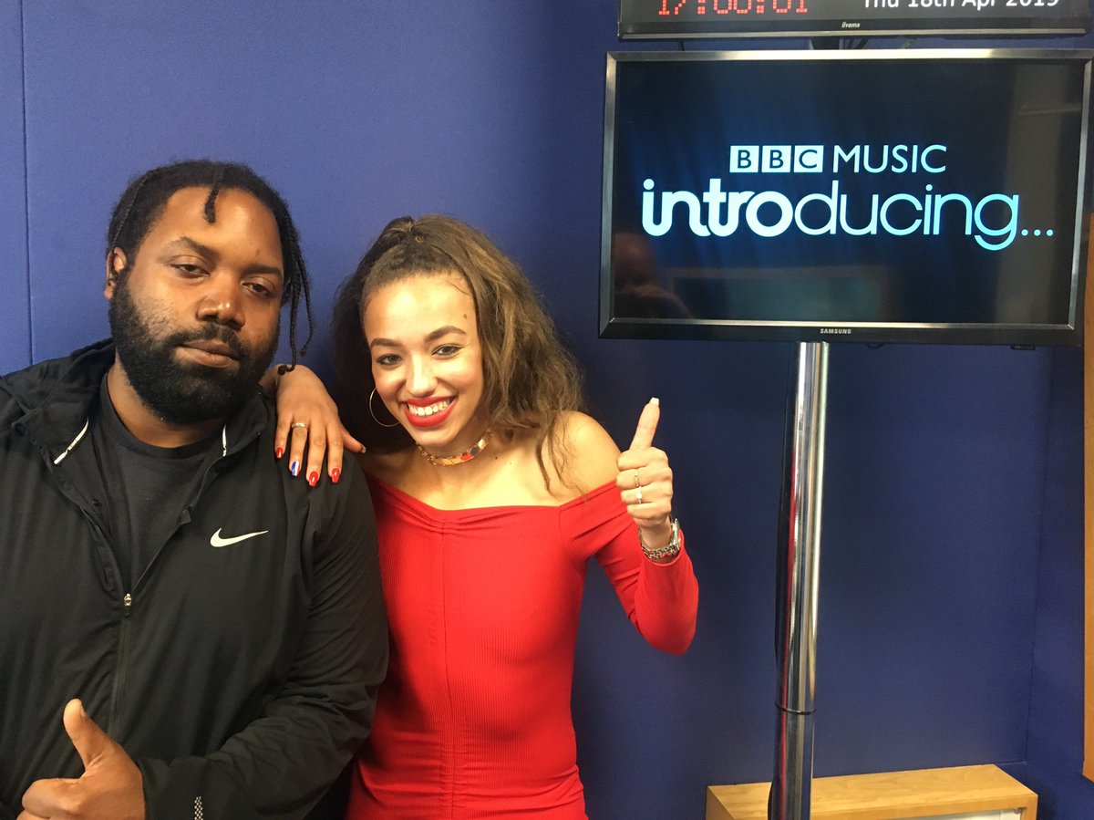 🚨TEN MINUTE WARNING 🚨  MI4 SKY is fresh out of Notts with a superb R&B sound - she talks all about what makes her tick very shortly alongside collaborator Biggz!  Listen 📻  http://www.intro.tips  #bbcintroducing #eastmids