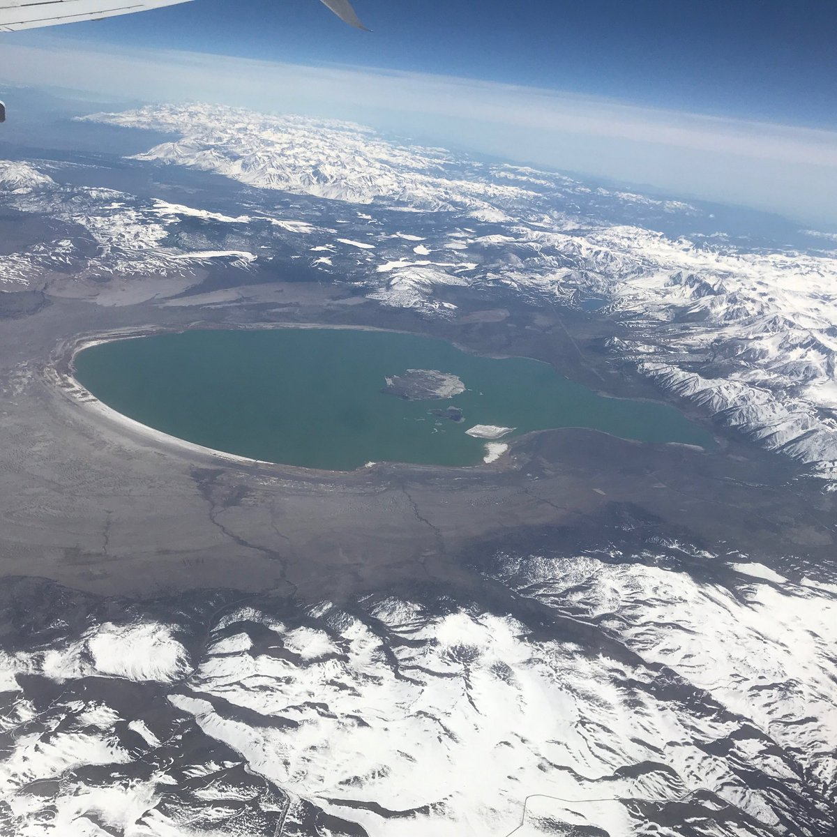 Mono Lake from 35,000 ft https://t.co/IE4UFmfuDG
