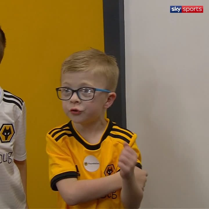 🐺🧡 - Football is brilliant.  This @Wolves mascot showed us all how to back your team, keeping the noise going even at half-time as the players went back down the tunnel! Incredible support! 😎