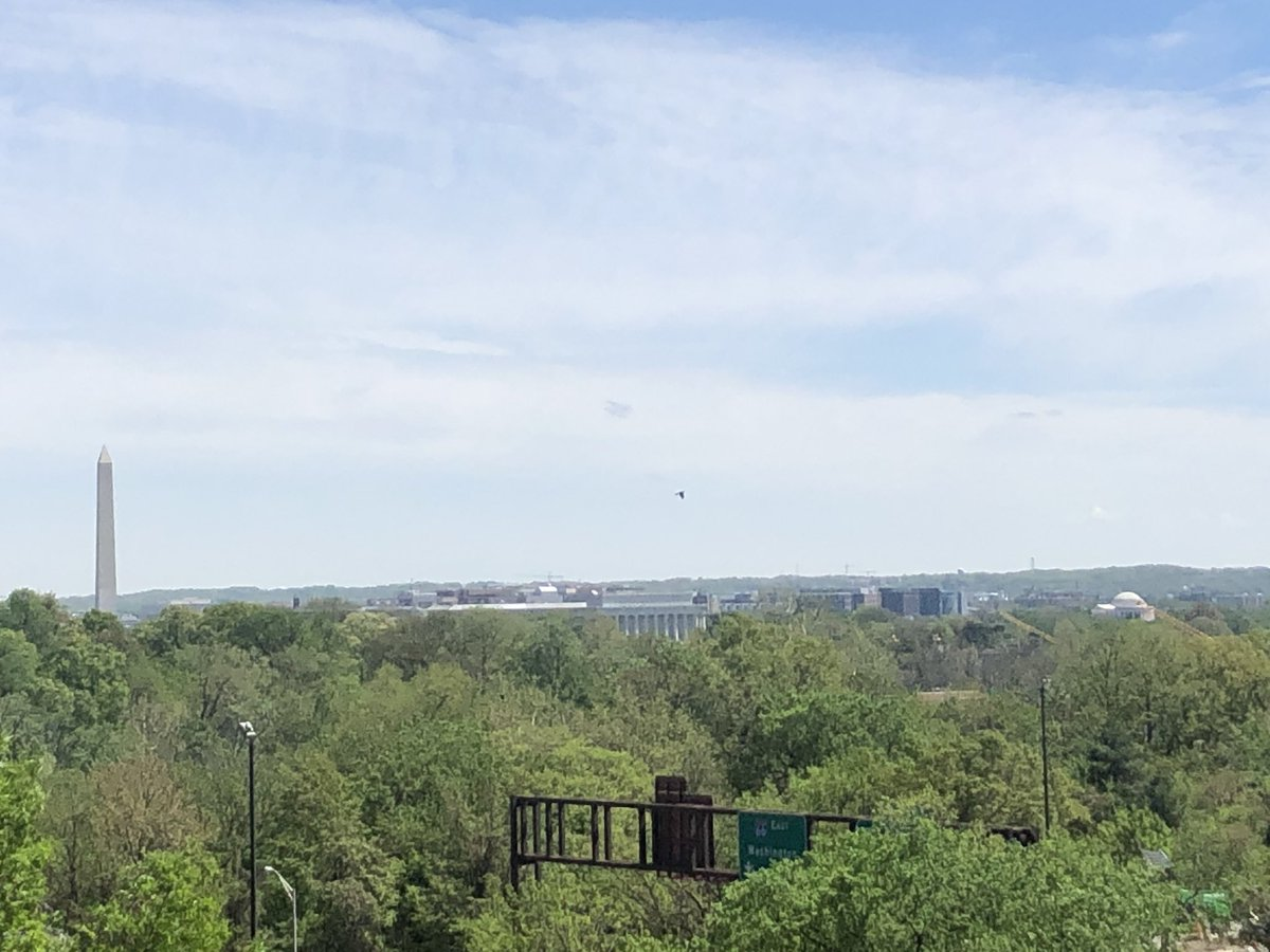 No severe thunderstorm warnings and tornado watches today = gorgeous weather to soak in this afternoon in the DMV.  #DCWX <br>http://pic.twitter.com/ZaXQzLyX05