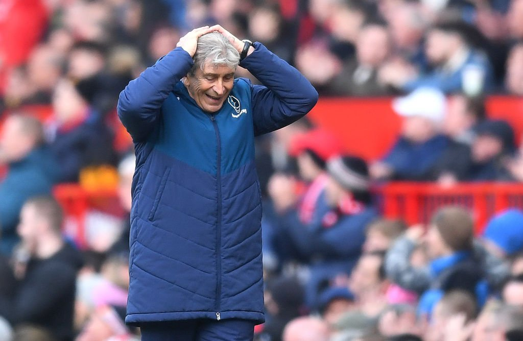 """""""We deserved to win, but for different refereeing decisions, we couldn't do it.""""   Manuel Pellegrini was not impressed with certain decisions after West Ham lost two points late on against Leicester.   🗣 http://skysports.tv/4Uc2Xs"""