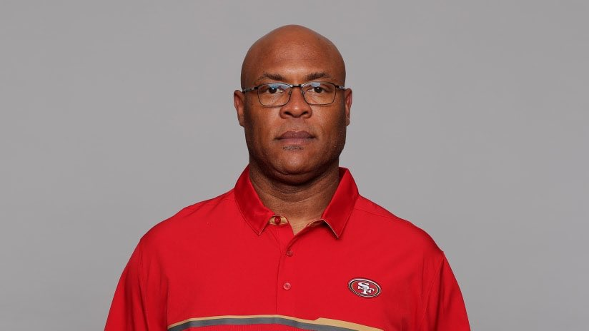 #49ers scout Reggie Cobb died of a heart attack last night  <br>http://pic.twitter.com/ZbotIukxQK