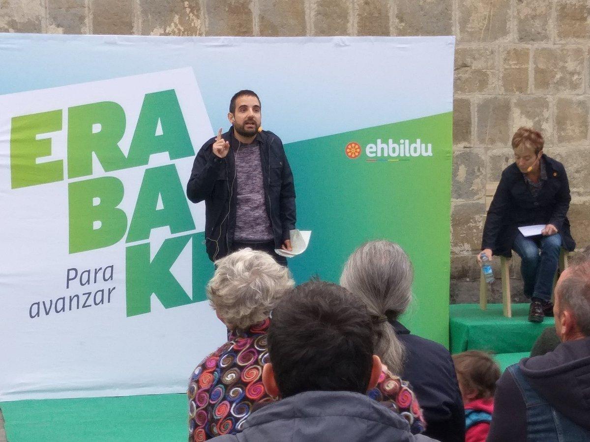 """.@EnekoCompains: """"Madrilen argi eta garbi defendatuko dugu Nafarroan erabakitzeko eskubidea gizarte justuagoa, demokratikoagoa eta duinagoa lortzeko"""" #Erabaki #ParaAvanzar #AurreraBel"""