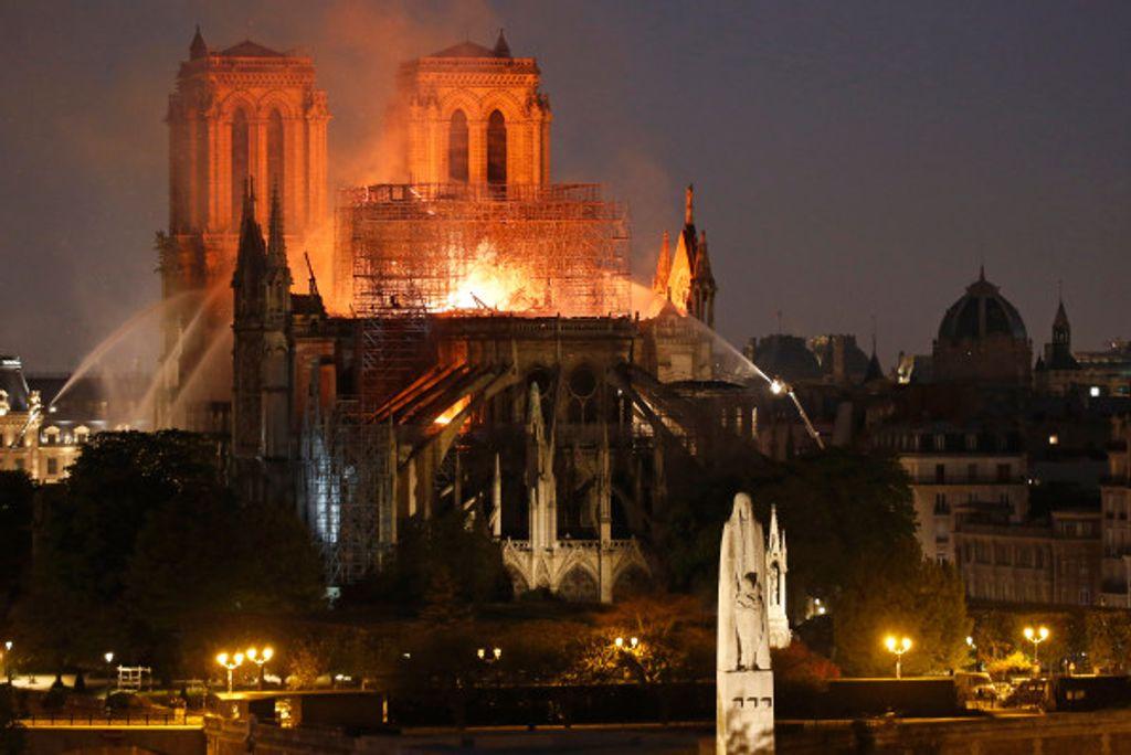 Apple will donate money to rebuild Notre-Dame https://twi.li/q9y6JA #Infosec #software #technology