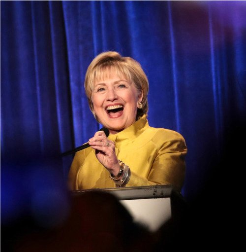 """#OTD 2017 🏳️🌈 Hillary receives Trailblazer Award at the LGBT Center dinner in NYC.  The evening posed a dilemma for her: attending the dinner OR seeing @BetteMidler in 'Hello Dolly' """"I really struggled to figure out which event would best reflect my commitment to the community"""" ❤️"""
