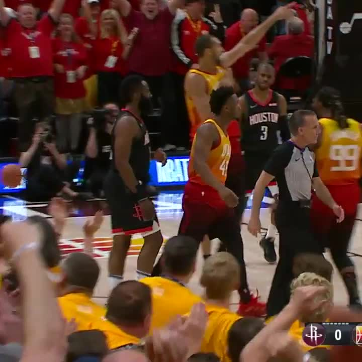 These were back to back plays from Donovan Mitchell... 😳  #TeamIsEverything | #NBAPlayoffs
