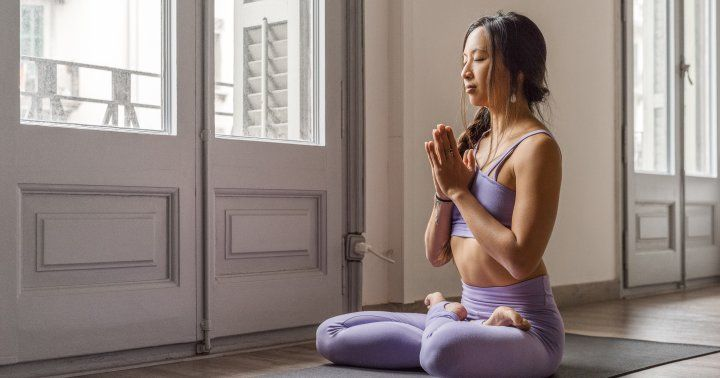 Some science-based information about why meditation helps stress. Meditation has been one of the most unexpectedly effective ways to manage my #braininjury symptoms  https:// buff.ly/2GrUu5X  &nbsp;  <br>http://pic.twitter.com/6Pfmj4L2V1