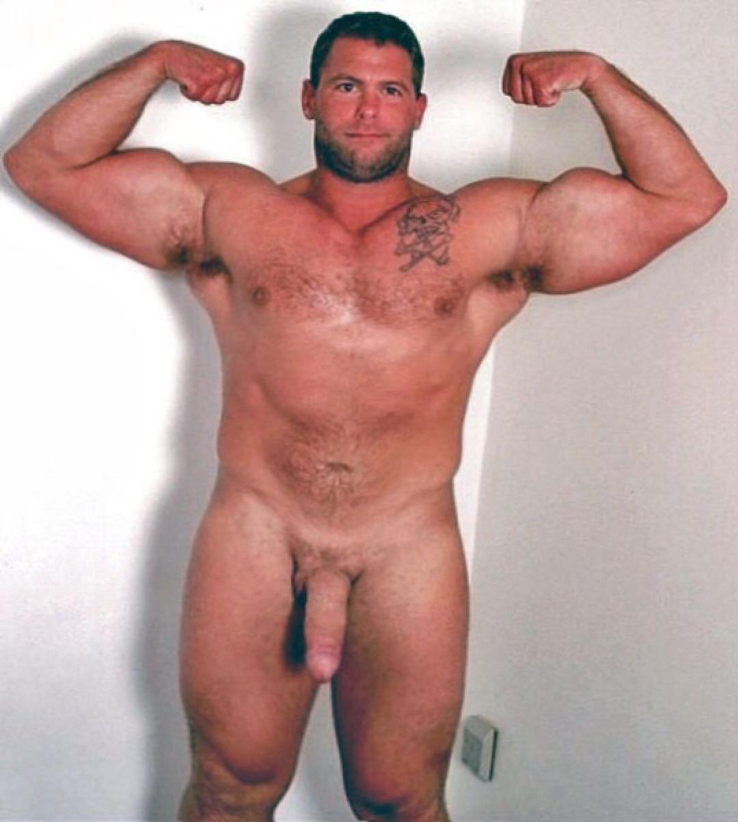 Muscle daddy naked with big dicks video